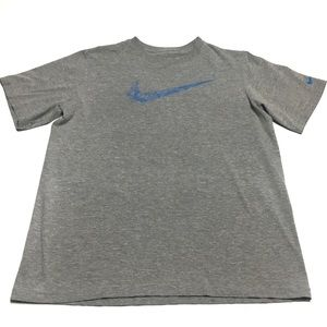 Nike t-shirt gray boys size XL
